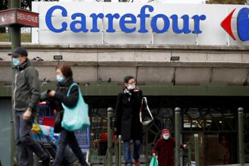 Prise de contrôle de Carrefour Couche-Tard a retiré son offre, selon l'agence Bloomberg)