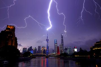 Chine Un violent orage fait 11morts et plus de 100blessés près de Shanghai)
