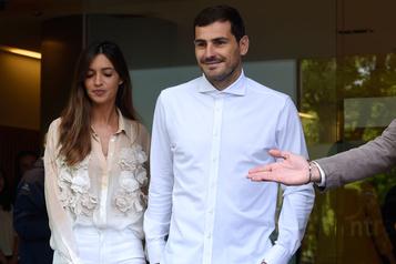 Le gardien espagnol Iker Casillas officialise sa retraite)