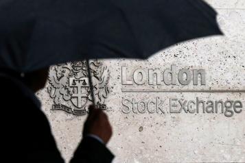 Les Bourses mondiales reprennent confiance)