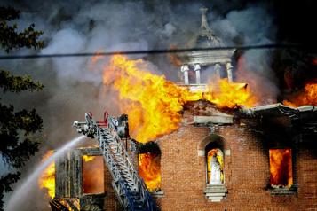 Incendie à Rawdon Une centaine de personnes âgées évacuées d'une résidence )