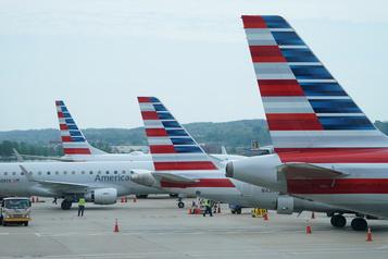 Le secteur aérien face à une vague de licenciements aux États-Unis)