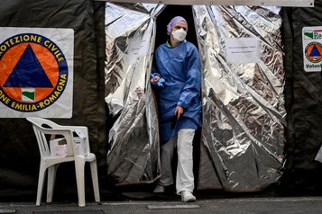 Coronavirus: le virus se propage, la peur aussi