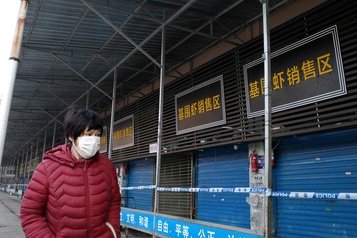 Le célèbre marché de Wuhan désert