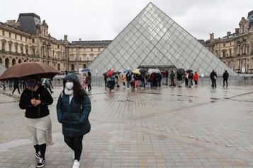 Coronavirus: le Louvre fermé pour une deuxième journée