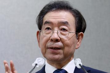 Le maire de Séoul retrouvé mort après sa disparition)