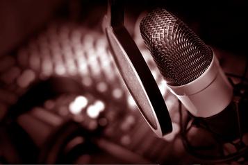 Sondages Numeris: Paul Arcand et le 98,5FM au sommet)