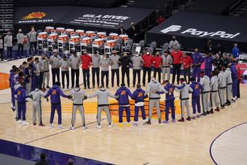 D'autres matchs reportés dans la NBA)