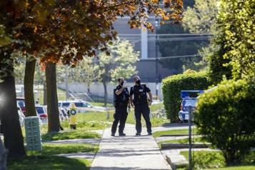 Une fusillade fait un mort et trois blessés à Toronto)