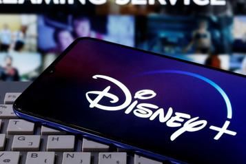 Disney, heurté par la pandémie, met le paquet sur la diffusion en continu)