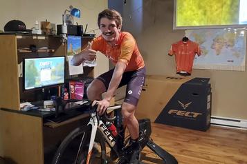 Mondiaux e-sport de cyclisme: Pier-André Côté rêve à un maillot arc-en-ciel)