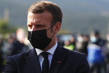 Macron veut un tour de vis sur l'expulsion des étrangers irréguliers)