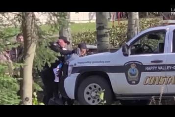 Un cas présumé de brutalité policière au Labrador)