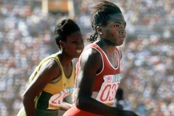 L'ex-sprinteuse canadienne Angela Bailey décède à 59ans)