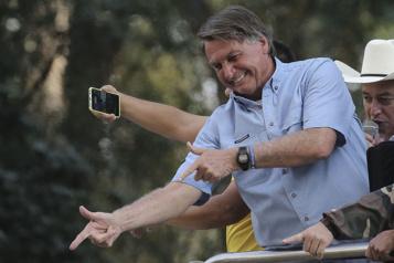 Brésil Jair Bolsonaro recule sur les menaces à la justice, prononcées «dans le feu de l'action»)