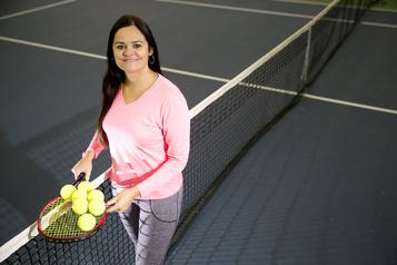 Une académie de tennis pour Aleksandra Wozniak)