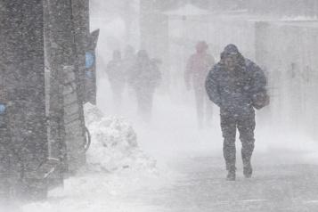 De 15 à 30 centimètres attendus La tempête de neige prévue ce week-end se confirme)