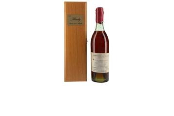 Un cognac de 1777 adjugé près de 72000$)