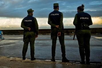Plus de 300Cubains exigent la fin de la répression avant tout geste de Washington)