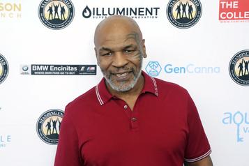 Mike Tyson remonte sur le ring à 54ans)