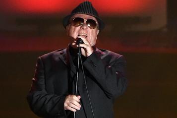 Van Morrison sort trois chansons anticonfinement)