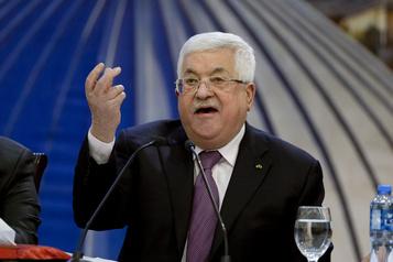 Les Palestiniens reçoivent un milliard de dollars perçus en leur nom par Israël)