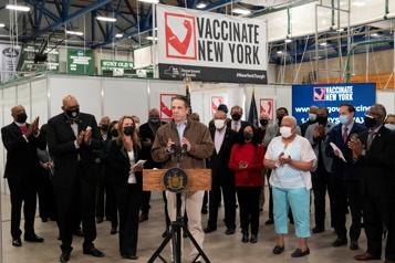 L'État de New York prend des mesures pour vacciner ses fonctionnaires)