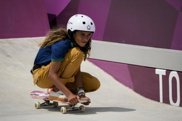 Le Brésil sous le charme de la «petite fée» du skateboard)