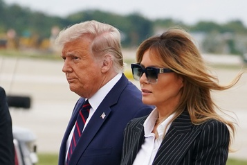Melania Trump a une «toux persistante» et annule ses activités)