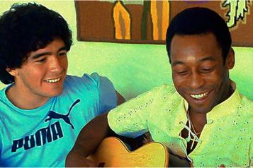 «Je t'aime, Diego», l'ultime hommage de Pelé à Maradona)