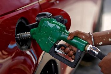 Le pétrole en repli après un nouveau record de cas de COVID-19 en Inde)