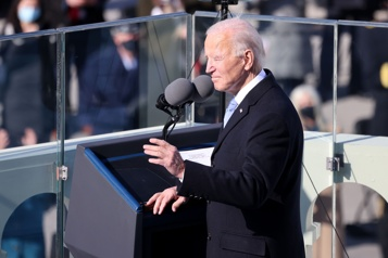 Joe Biden met en place son plan contre le changement climatique)