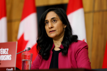Vaccination Ottawa négocie l'achat de doses de rappel pour 2022)