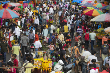 COVID-19 en Inde Les marchés fréquentés avant la fête hindoue de Ganesh)