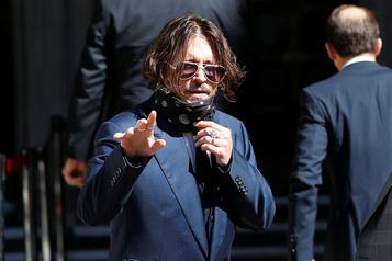 Dépeint en mari violent, Johnny Depp au tribunal pour attaquer le Sun)