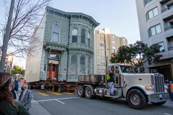 Quand une maison victorienne de San Francisco déménage...)