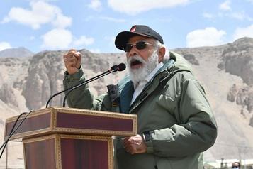 Tensions Inde-Chine: Modi en visite surprise au Ladakh)