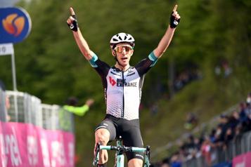 Tour d'Italie Victorieux de la 19eétape, Simon Yates relance la bataille pour le maillot rose)