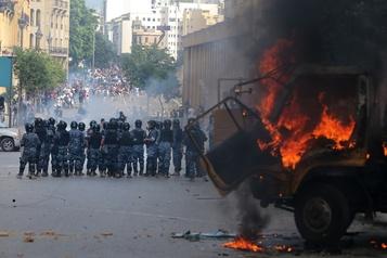 La Presse au Liban: des ministères pris d'assaut par des manifestants à Beyrouth)