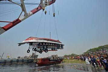 Bangladesh: 26 morts dans une collision de bateaux)