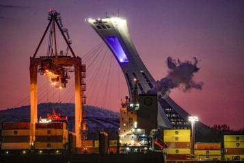 Conflit de travail au Port de Montréal Un service public à temps partiel)