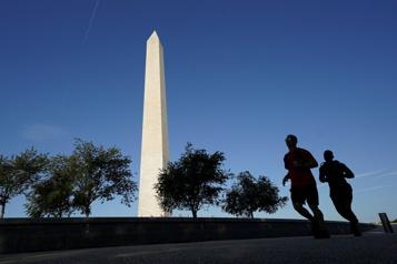 Le Washington Monument rouvre au public)
