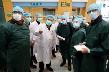 Pandémie de COVID-19 La Chine et l'OMS auraient pu agir plus vite )
