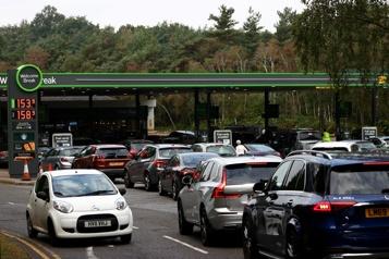 Pénuries de carburant Londres accuse un organisme représentant les transporteurs)
