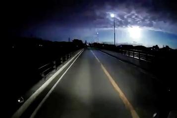 Une météorite dans le ciel du Japon)