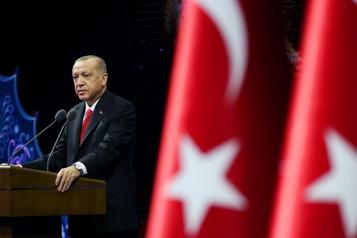 Caricatures et liberté d'expression Erdogan appelle au boycottage des produits français, soutiens pour Macron)