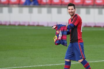 Messi écope d'une amende pour son hommage à Maradona)