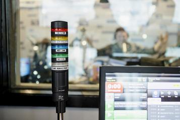 Réduira-t-on de moitié la musique francophone à la radio? )