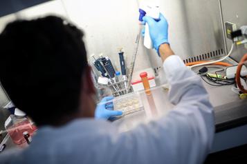 Une nouvelle molécule pourrait attaquer le coronavirus sur deux fronts)