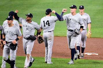 Une quatrième victoire de suite des Yankees)